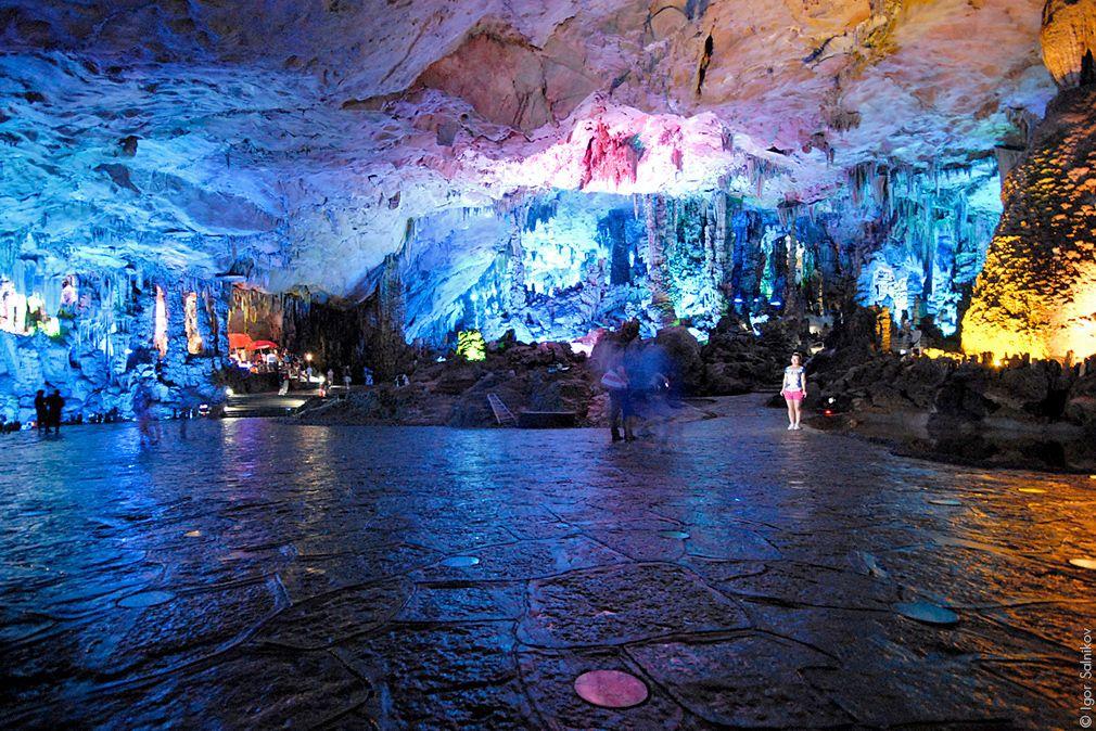 Пещера Тростниковой Флейты (провинция Гуйлинь), Китай