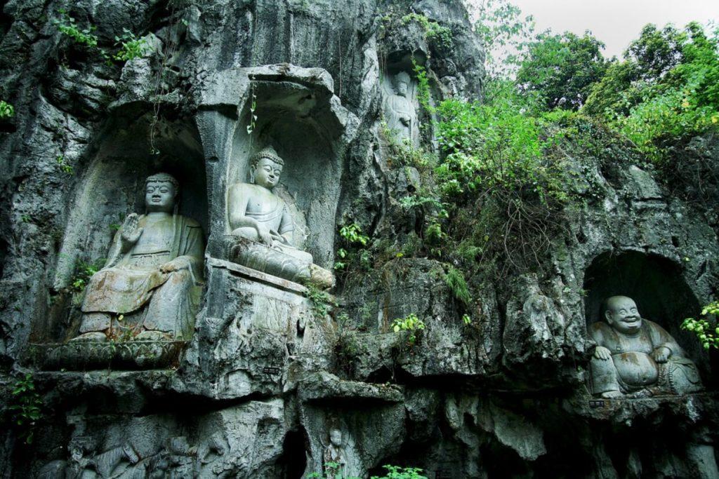 Храм Прибежища души (гора Фэйлай, г. Ханчжоу), Китай