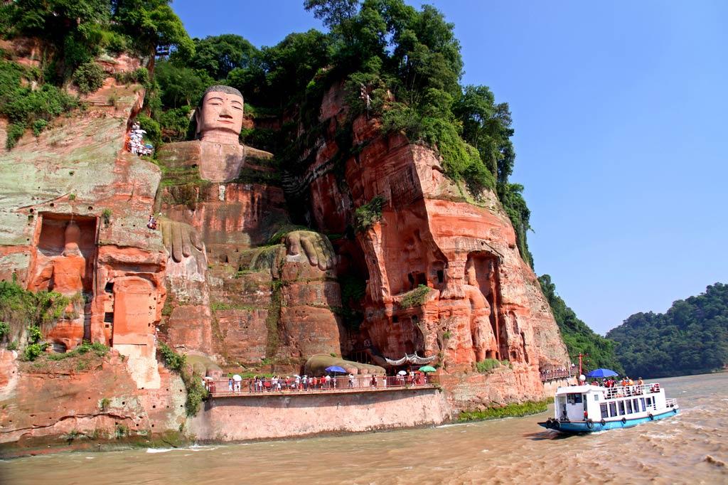 Гигантский Будда в Лэшане, Китай