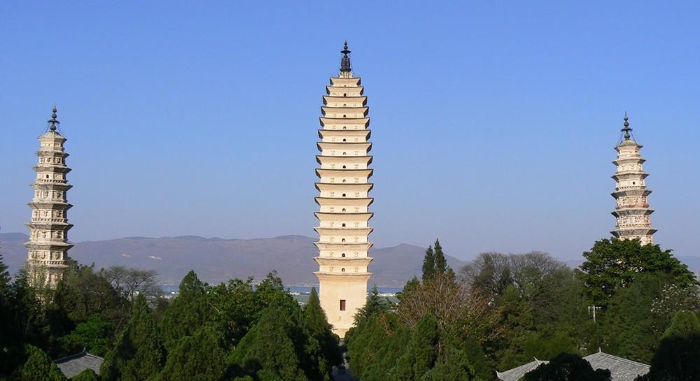 Три пагоды храма Чуншэна, Китай