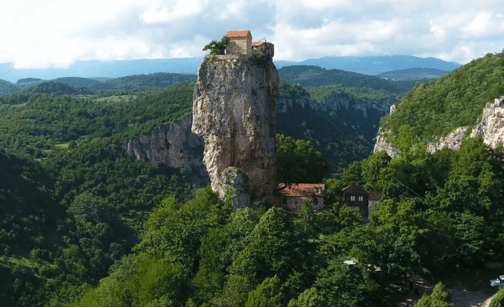 Столп Кацхи, Грузия