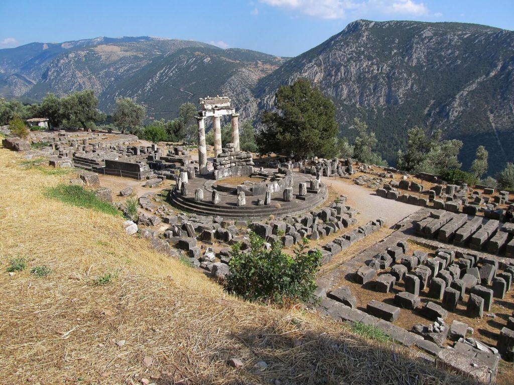 Храм Аполлона, Дельфы
