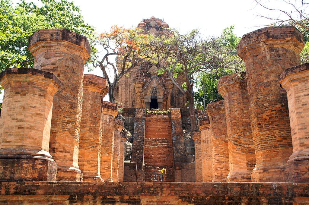 Чамские башни Понагар, Нячанг