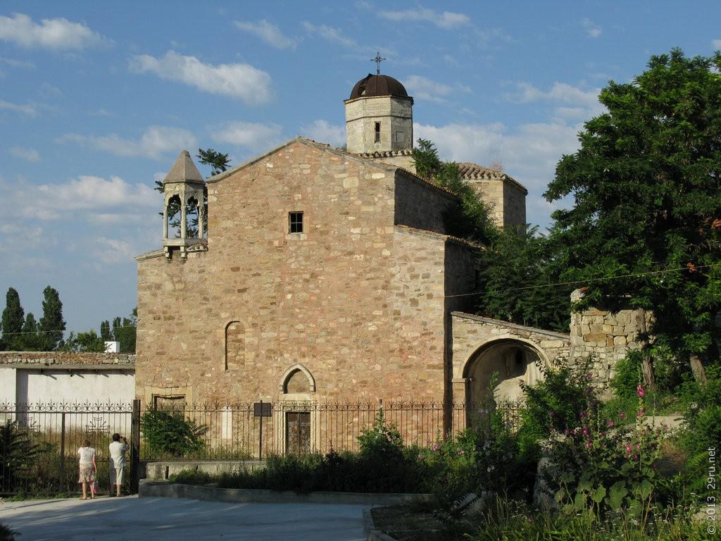 Архангельская церковь, Феодосия