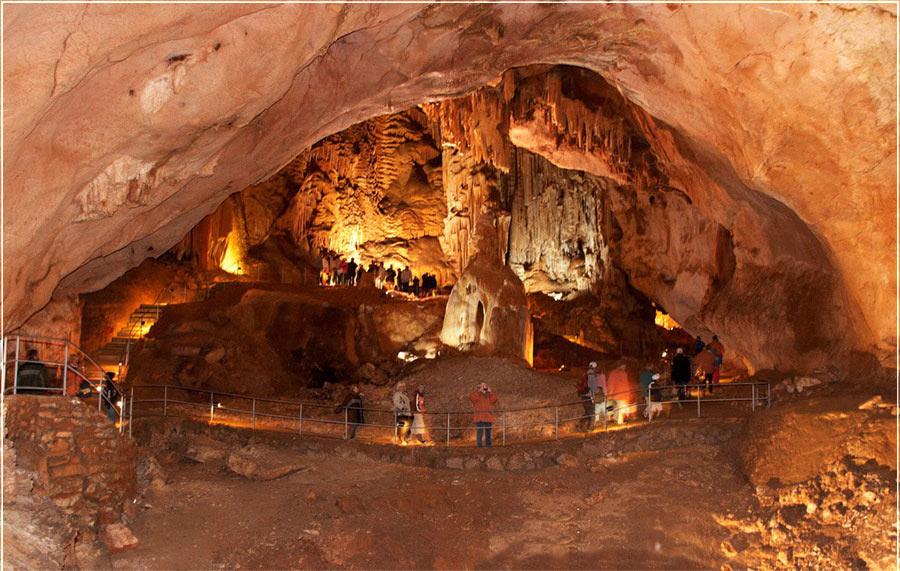 Пещера Кизил-Коба или Красная пещера, Крым