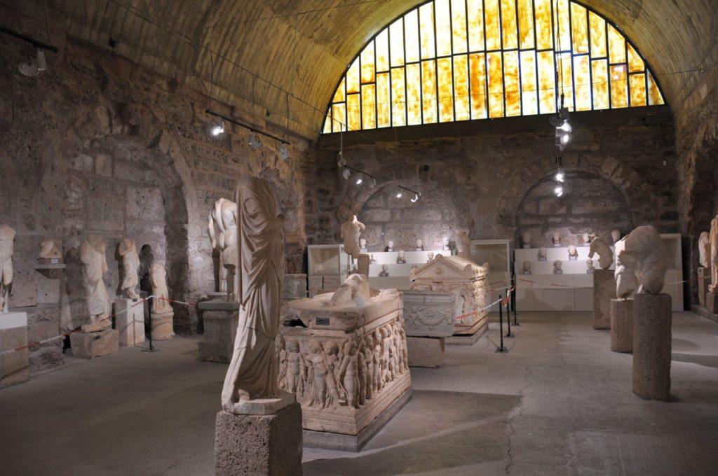 Бани Агоры и музей Сиде