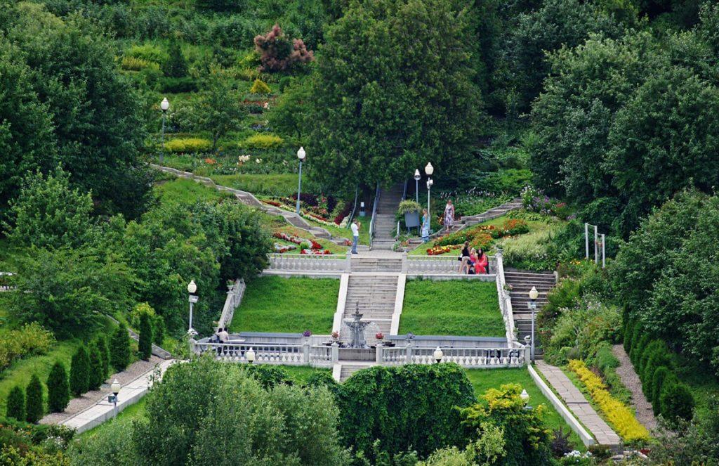 Патриарший сад, Владимир