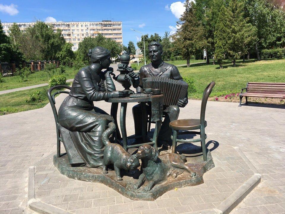 скульптура Тульское чаепитие, Тула