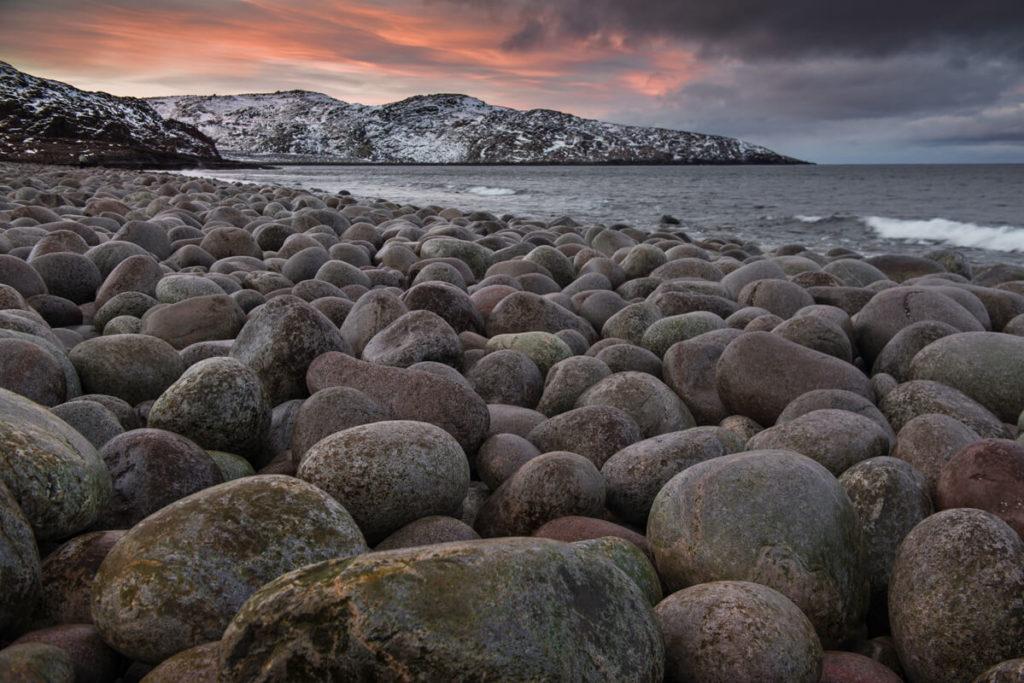 Каменный пляж «Яйца динозавров», Териберка