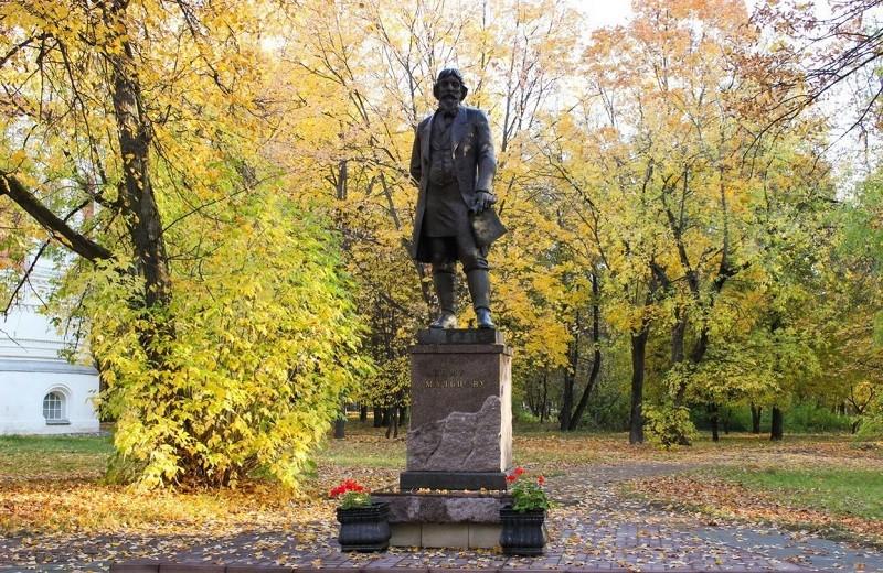 Памятник Акиму Васильевичу Мальцову, Гусь-Хрустальный