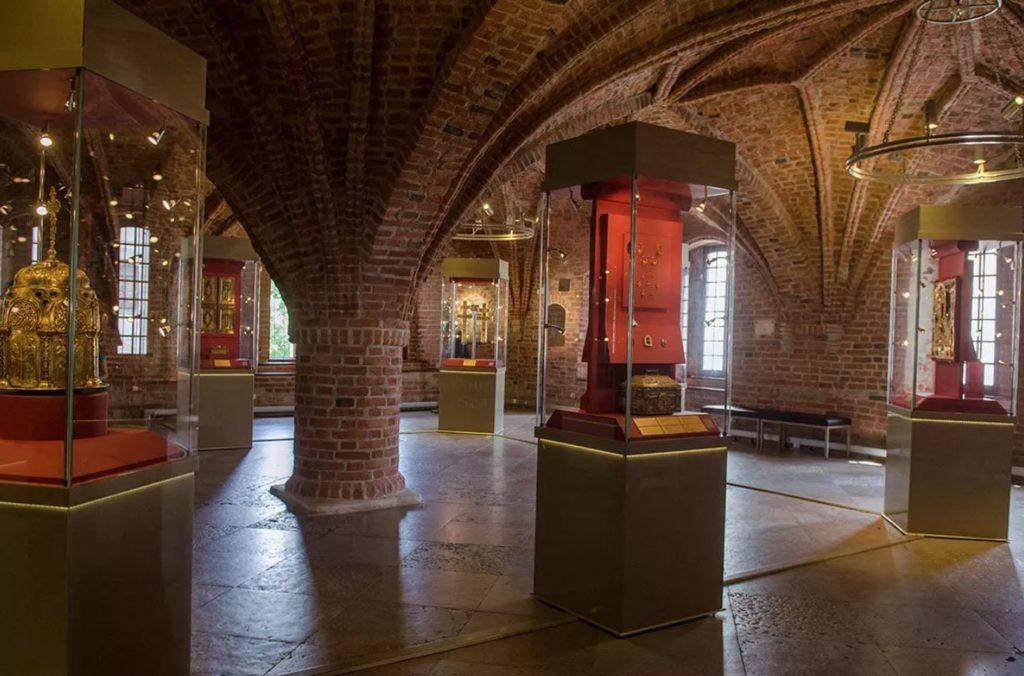 Владычная палата, Великий Новгород