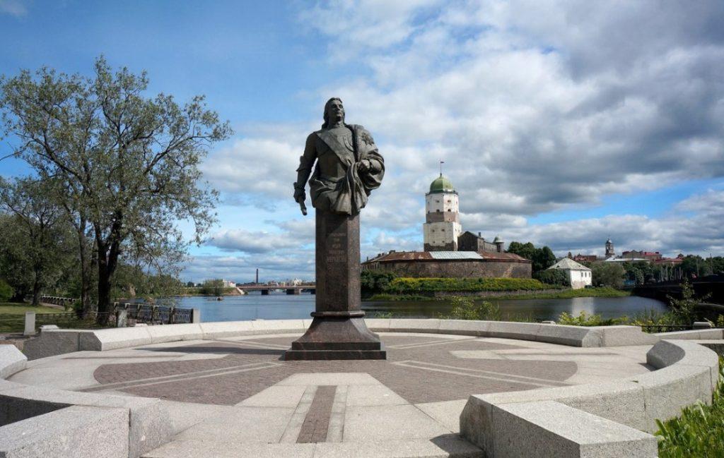 Памятник Фёдору Апраксину, Выборг