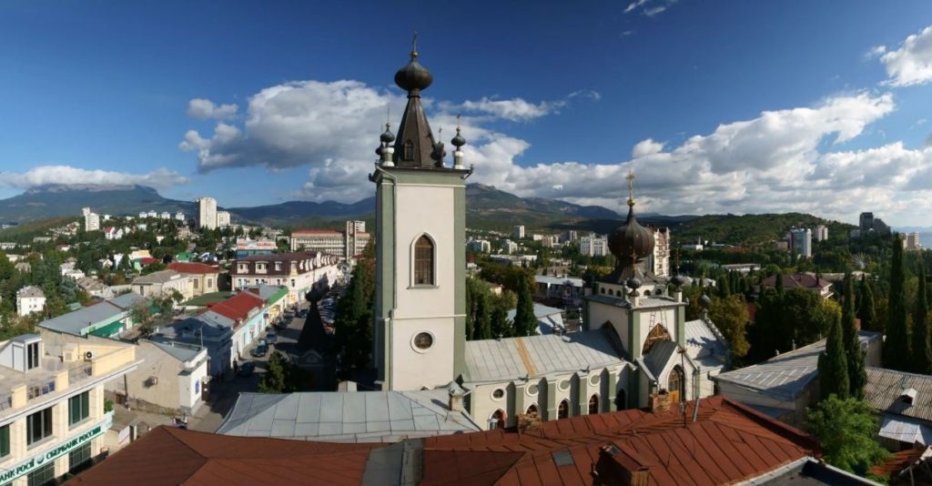 Храм во имя всех Крымских святых, Алушта