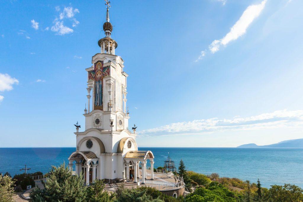 Храм-маяк Николая Чудотворца, Алушта