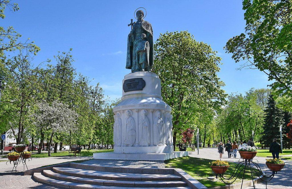 Памятник княгине Ольге, Псков