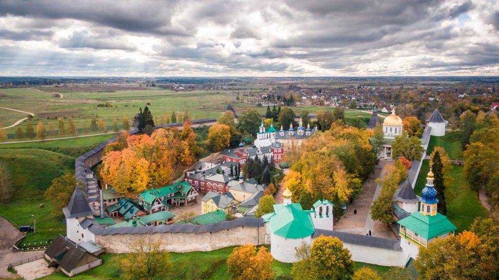 Псково-Печёрский монастырь, Печоры