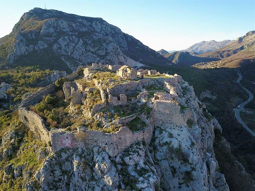 Крепость Хай-нехай, Черногория