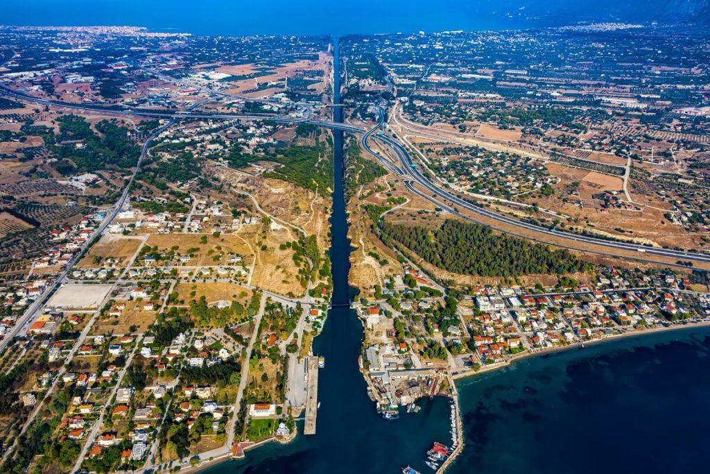 Коринфский канал, Коринф