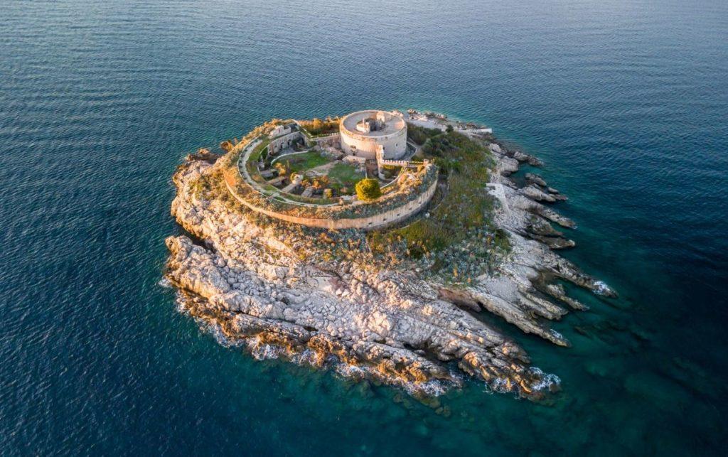 Остров-крепость Мамула, Черногория