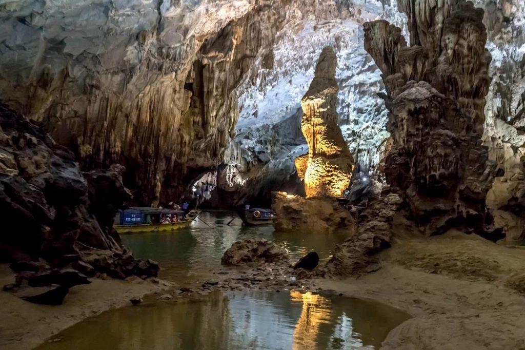 Пещера Фонгня, Вьетнам