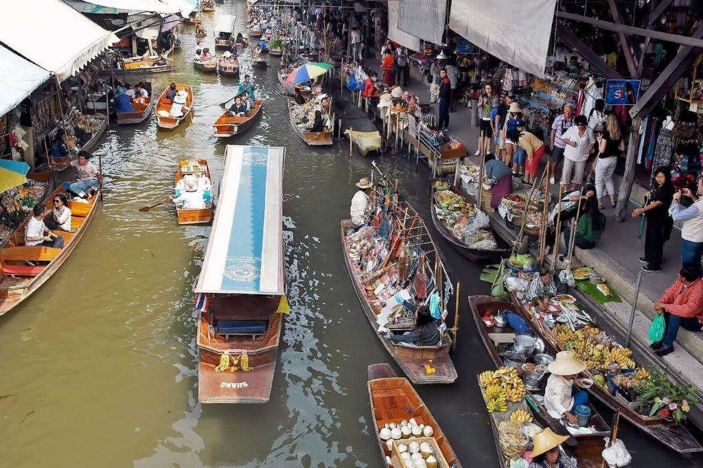 Плавучий рынок Дамноен Садуак, Таиланд